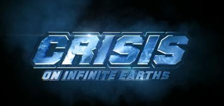 Lynda Carter et Tom Welling présents dans Crisis on Infinite Earths