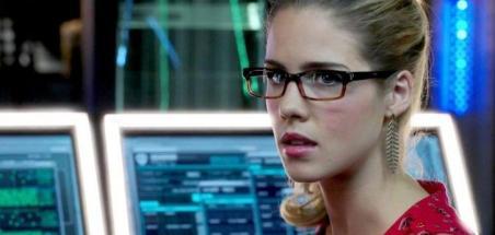 Felicity Smoak de retour pour le final d'Arrow