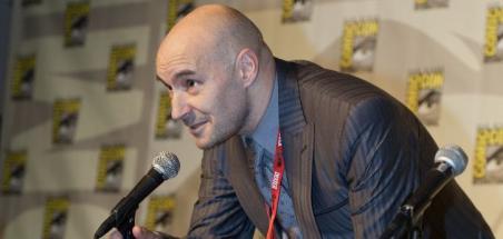Le scénariste Grant Morrison se déclare non-binaire