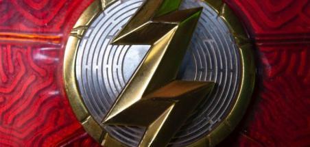 The Flash : le réalisateur tease le nouveau costume de Barry Allen